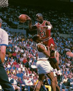 61bfa1c8b Michael Jordan makes a pass in the face of Cleveland s Ron Harper in Game 5  of