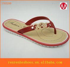 cdb9dc55c08fef 2017 fashion PVC PCU Summer beach slippers cheap wholesale flip flops