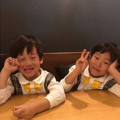 A post from Another article on our boys by soompi. Like I mentioned before, I would love to see our boys' articl. Superman Cast, Superman Kids, Korean Tv Shows, Boy Meets, Cute Faces, Cute Kids, Twins, Mom, Reading