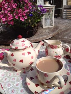 Emma Bridgewater Pink hearts & Scattered Rose
