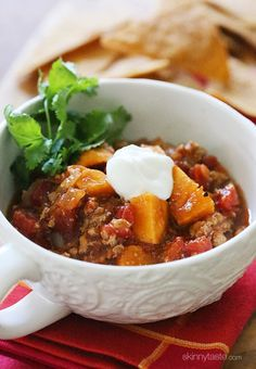 A quick and easy chili made with ground turkey, sweet potatoes and spices. #paleo #glutefree #weightwatchers
