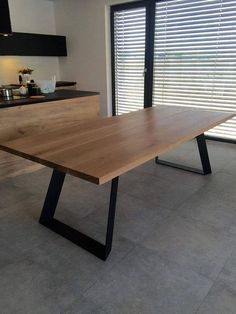 Solid oak dining table extended by Poppyworkspl - tisch COLT. Solid oak dining table extended by Poppyworkspl Solid Oak Dining Table, Steel Dining Table, Dining Room Table, Oak Table, Wood Furniture, Furniture Design, Handmade Furniture, Industrial Furniture, Furniture Ideas
