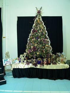 2012 Gala Tree - A Spirited Christmas