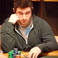 o que eventualmente o levou a decidir tentar jogar poker também.