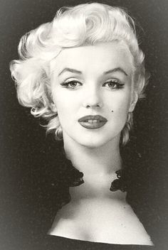 Marilyn Monroe... natural beuty and a natural voice
