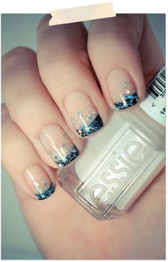 Beautiful holiday nails.