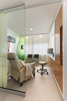 Ballinger Interior Design Healthcare : Weill Cornell Oncology Infusion Center