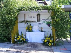 Arco Floral, Corpus Christi, Kirchen, Porch Swing, Boho, Outdoor Decor, Advent, Santa Cruz, Church Altar Decorations