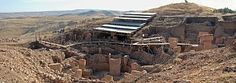 Göbekli Tepe, the ancient temple complex located in Turkey considered to be the world's oldest temples are actually ancient dwellings, not temples, according to Ted Banning of the University of Toronto. Temple, Astronomical Observatory, Site Archéologique, Archaeology News, What Lies Beneath, Ancient Mysteries, Archaeological Site, Photo Essay, Ancient Civilizations