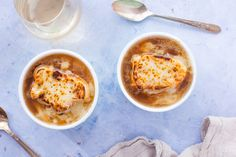 5 Fast and Easy quick and easy vegetarian french onion soup recipe shows and experts Fall Soup Recipes, Onion Soup Recipes, Chili Recipes, Korma, Biryani, Moroccan Vegetables, Vegetable Stew, Easy, French Onion