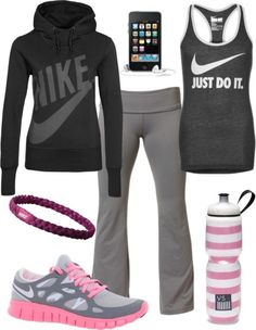Nike outfits, sporty outfits, sporty style, summer outfits, workout a Nike Outfits, Sporty Outfits, Athletic Outfits, Athletic Wear, Summer Outfits, Sporty Style, Fashion Outfits, Fashion Trends, Workout Attire