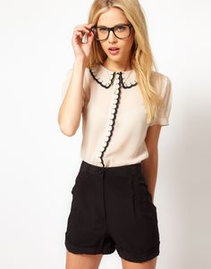 Blouse With Scalloped Collar And Placket