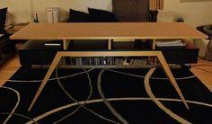 """un bureau monté sur talons aiguilles là encore je suis parti d'une demande précise : """"j'aimerais un bureau un peu plus bas que la norme (H 70cm) pour être installée sur la banquette-tatami assise , en tailleur , genoux relevés etc..[...]"""