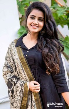 Anupama Parameswaran Beautiful and beautiful Beautiful Bollywood Actress, Most Beautiful Indian Actress, Beautiful Actresses, Beautiful Girl In India, Beautiful Girl Photo, Beautiful Women, Beauty Full Girl, Beauty Women, India Beauty