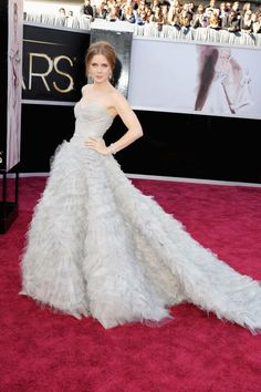 One of the many pale, pale gowns of the night we loved - Amy Adams in gray Oscar de la Renta #Oscars