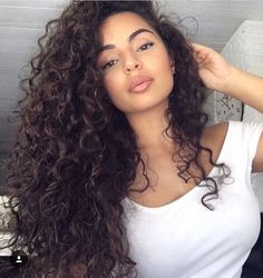 Makeup Dark Hair Inspiration New Ideas Long Curly Hair, Big Hair, Curly Hair Styles, Natural Hair Styles, Natural Curls, Curly Hair Latina, Curly Hair Sew In, Brown Curly Hair, Deep Curly