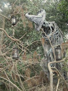 10 Awesome Halloween Decorations to try - Life Is Fun Silo Halloween Yard Props, Halloween Graveyard, Scary Halloween Decorations, Spooky Scary, Creepy Halloween, Outdoor Halloween, Halloween House, Fall Halloween, Halloween Ideas