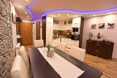 Eladó lakás a Szerdahelyi utcában! Bathtub, Flats, Bathroom, Luxury, Standing Bath, Loafers & Slip Ons, Washroom, Bathtubs, Bath Tube