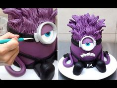 Evil Despicable Me Minion Cake - How To by CakesStepbyStep. A funny cake idea for kids birthday. Sponge cake récipe here: . Buttercream recipe here: . Torta Minion, Bolo Minion, Minion Cakes, Cake Decorating Techniques, Cake Decorating Tutorials, Pastel Minion, Purple Minion Cake, 3d Cake Tutorial, Minion Cake Tutorial