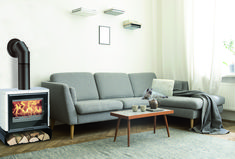 Kaminofen LEVI EASY - Variante WESTMINSTER von HAAS+SOHN London, Westminster, Easy, Couch, Furniture, Home Decor, Good Times, Fireplace Heater, Homes