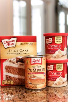 Semi-homemade mini PUMPKIN SPICE cupcakes are so easy when you start with a boxed cake mix! Semi-homemade mini PUMPKIN SPICE cupcakes are so easy when you start with a boxed cake mix! Cake Mix Cupcakes, Cupcake Cakes, Cake Mix Muffins, Cake Cookies, Empanadas, Six Sisters, Pumpkin Spice Cupcakes, Pumpkin With Cake Mix, Pumpkin Pumpkin