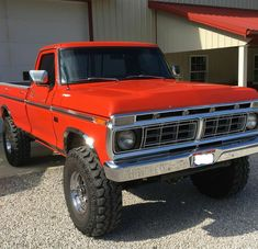 Frontend Friday: Todd Becker bought his 1976 Ford from a friend. It has 97000 miles and Todd says it attracts a lot of attention with its bright orange color. Old Pickup Trucks, Lifted Ford Trucks, 4x4 Trucks, Diesel Trucks, Trucks For Sale, Ford Diesel, F150 Lifted, Farm Trucks, Jeep Pickup