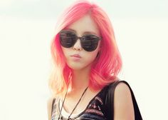 I wanna try this pink, please.