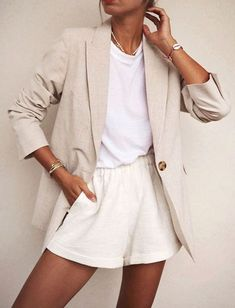 linen blazer outfits you are going to want to try this summer - the parrish place Mode Outfits, Trendy Outfits, Fashion Outfits, Fashion Trends, Easy Outfits, Fashion 2017, Fashion Tips, Spring Summer Fashion, Spring Outfits