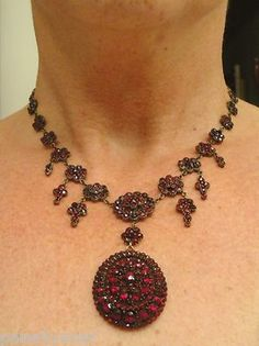 HUGE Antique 1800's  Victorian Bohemian rose cut Garnet necklace