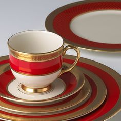 57 Beautiful Christmas Dinnerware Sets: Embassy Dinnerware Place Setting by Lenox - Great alternative for Christmas china without the typical Christmas patterns Christmas China, Christmas Dishes, Christmas Photos, Lenox Christmas, Christmas Tablescapes, Christmas Time, 222 Fifth Dinnerware, Fine China Dinnerware, Christmas Dinnerware Sets