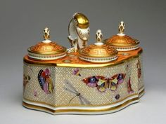 Worcester Porcelain Factory Inkwell, Standish, c. 1792-1803