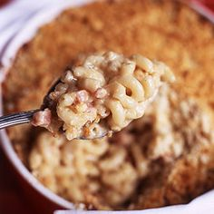 Mac & cheese with country ham. Put those ham leftovers & 2-day-old breakfast biscuits to use. (If only I had any...)