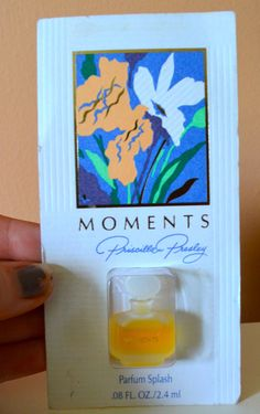 MOMENTS Priscilla Presley Parfum Splash 0.8 Fl Oz Mini Sample Purse Perfume #PriscillaPresley