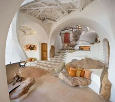 Moon to Moon: Richard Olsen's Handmade Houses - love it, though i'd prefer smooth ceiling. Very nice.