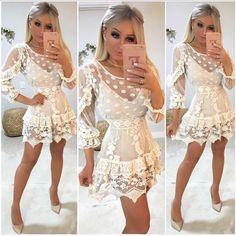 Bom diaaa com essa FOFURA!!! 👗💕💕 É muitaaaa lindeza!! ✨✨ vestido de tule de poá com detalhes em Guipir 😱😱 Simplesmente APAIXONANTE 💖 ( o… Chic Outfits, Pretty Outfits, Pretty Dresses, Spring Outfits, Beautiful Dresses, Casual Dresses, Short Dresses, Fashion Dresses, Prom Dresses