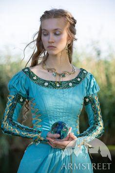 Renaissance Clothing, Medieval Fashion, Viking Clothing, Renaissance Fair, Festivals, Costume Armour, Medieval Dress, Medieval Costume, Outfits