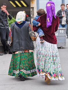 Hungarian women floral skirts