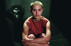 Evey Hammond, 'V per Vendetta' Ruolo interpretato da: Natalie Portman V For Vendetta 2005, Natalie Portman, People, Archive, Board, Movies, People Illustration, Planks, Folk