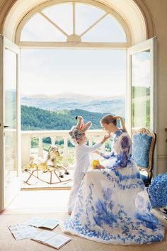I just love the dress and the colours in this picture. /Happy, White and Blue!