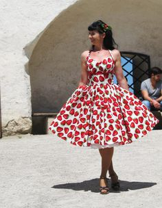 Pinup dress 'Orchard dress in Strawberry by PinupDollCollection