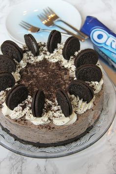 Oreo Base, Oreo Cheesecake Filling, Oreo Decoration.. Oreo Heaven! I have had an insane amount of requests for this recipe – even though there are...