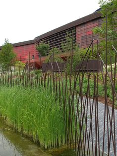 Fence of Musée du Quai Branly, Paris Metal Garden Gates, Rusty Garden, Garden Fencing, Garden Art, House Gate Design, Fence Design, Fence Landscaping, Pool Fence, Landscape Architecture