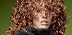 """Oi galera!   As dicas de hoje são de Adriano Oliveira , administrador do site """"Saúde da mulher"""" , e  que escreveu este artigoespecial... Deva Curl, Apple Vinegar, Colored Curly Hair, Coco, Curled Hairstyles, Curls, Hair Care, Good Things, Elegant"""