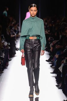 http://www.vogue.com/fashion-shows/fall-2017-ready-to-wear/hermes/slideshow/collection