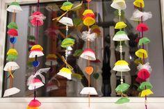 Muffin-Girlande - Web & Design von Janne: Fasching is! Mobiles, Baby Shower Decorations, Web Design, Paper Crafts, Spring, Kids, Amelie, Clowns, Blog