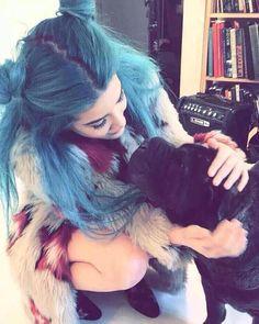 Halsey miss her long blue hair Halsey Street, Fangirl, New Americana, Everything Is Blue, Woman Crush, Blue Hair, Hair Goals, Dyed Hair, 5sos