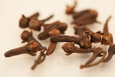 Don't buy fly spray... Get Rid of House Flies with Cloves: 5 Tips