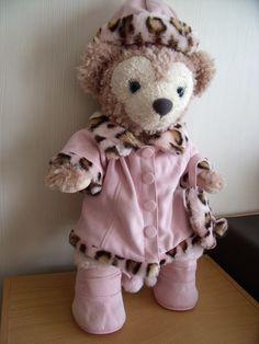 Shellie May ne craindra pas le froid de l'hiver (costume Build a bear)