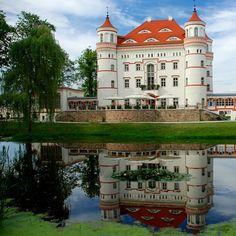 Wojanow Palace, Dolonslaskie, Poland
