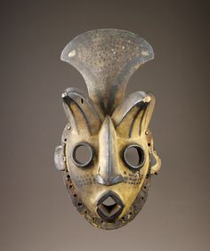 Africa | Face mask. Ogoni peoples, Nigeria | 20th century | Wood, pigment
